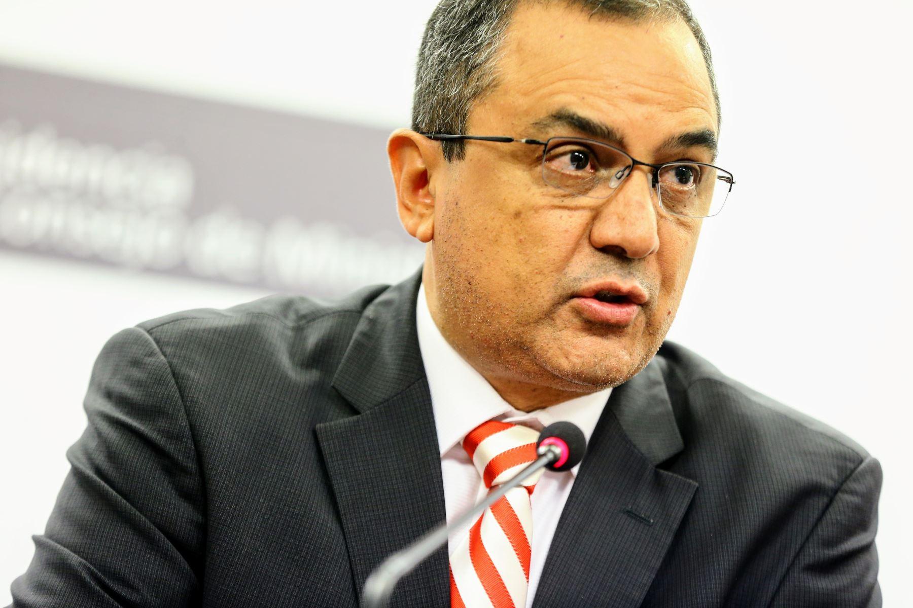Ministro de Economía y Finanzas, Carlos Oliva. ANDINA/Luis Iparraguirre