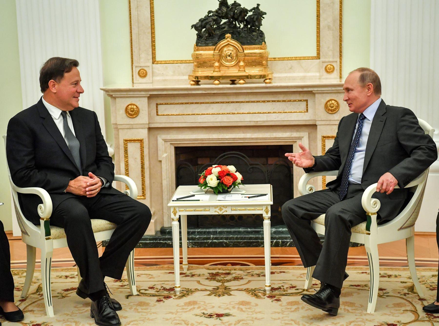 Juan Carlos Varela y Vladímir Putin Foto: EFE