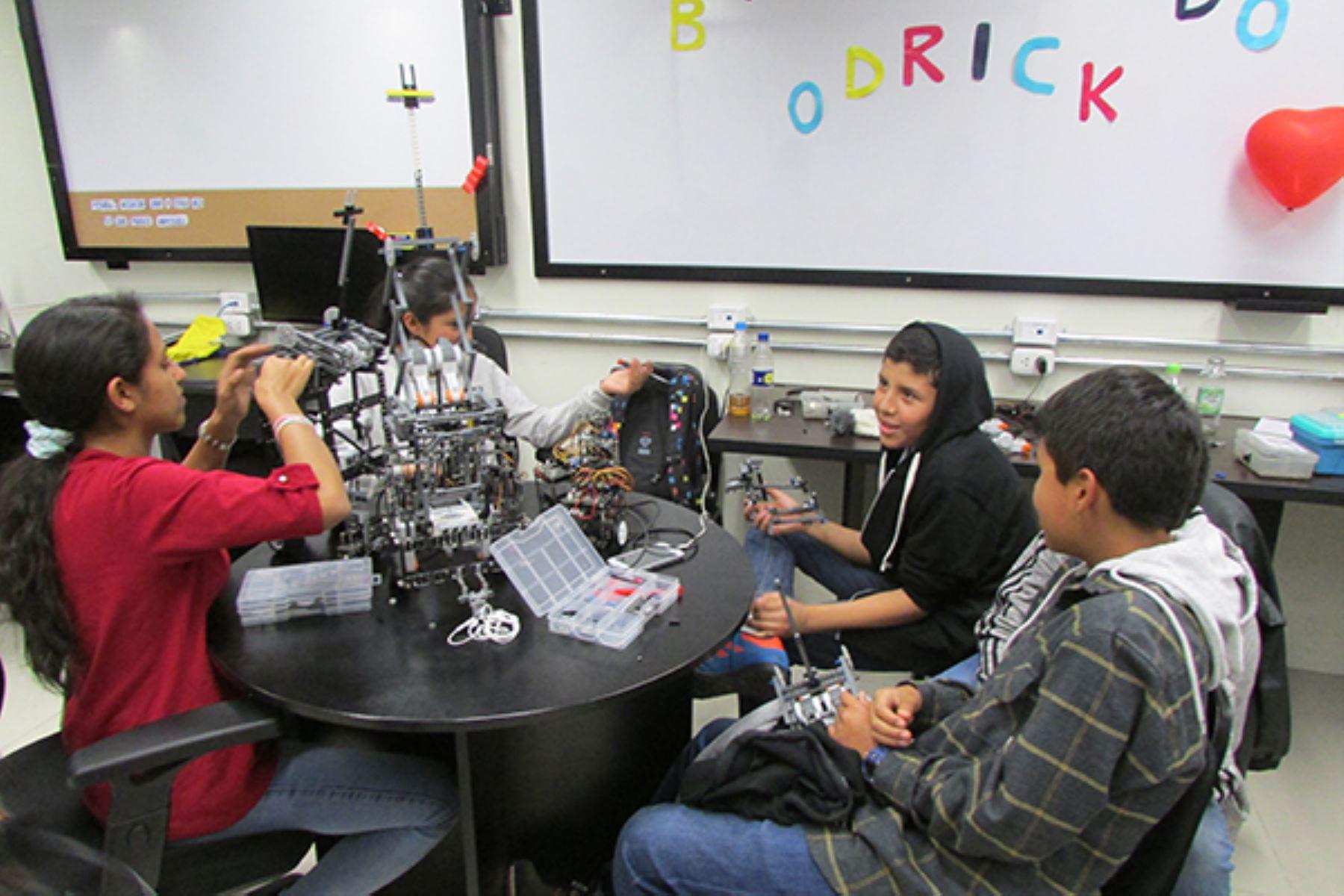 Delegación de estudiantes de Arequipa participará en Mundial de Robótica. ANDINA/Difusión