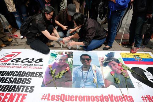 Manifestación en rechazo al asesinato de periodistas ecuatorianos Foto: EFE