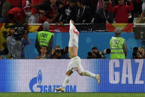 Suiza ganó 2-1 a Serbia en partido por el Grupo E de Rusia 2018