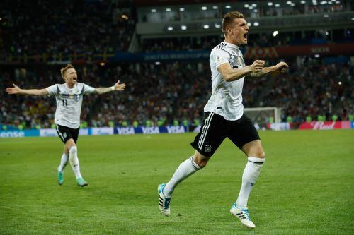 Alemania  ganó 2-1 a Suecia, en el grupo F
