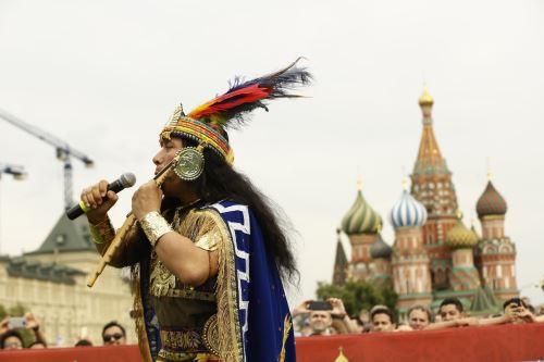 Tradiciones de nuestro país conquistan la Plaza Roja gracias a la Casa Perú, en el mundial Rusia 2018