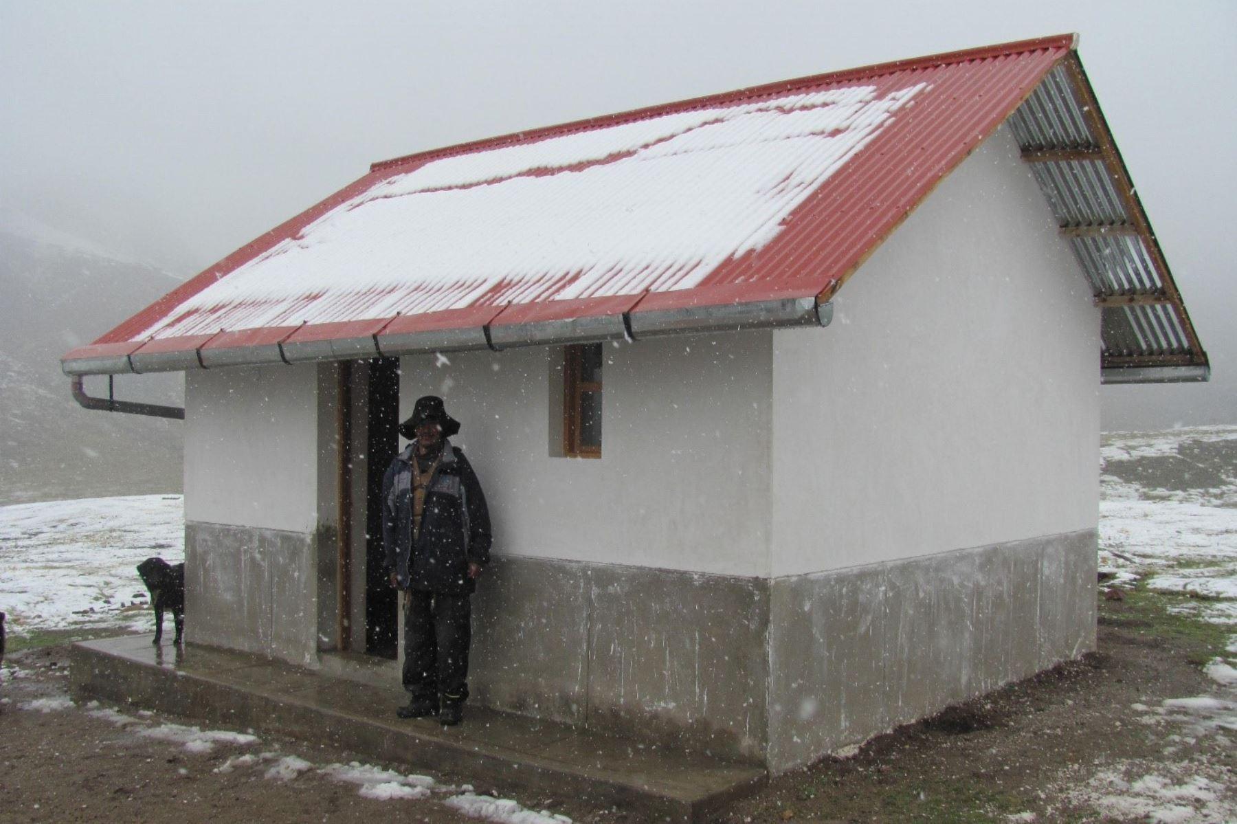 Viviendas acondicionadas benefician a más de 6,000 familias de zonas rurales para enfrentar bajas temperaturas.Foto:  ANDINA/Difusión