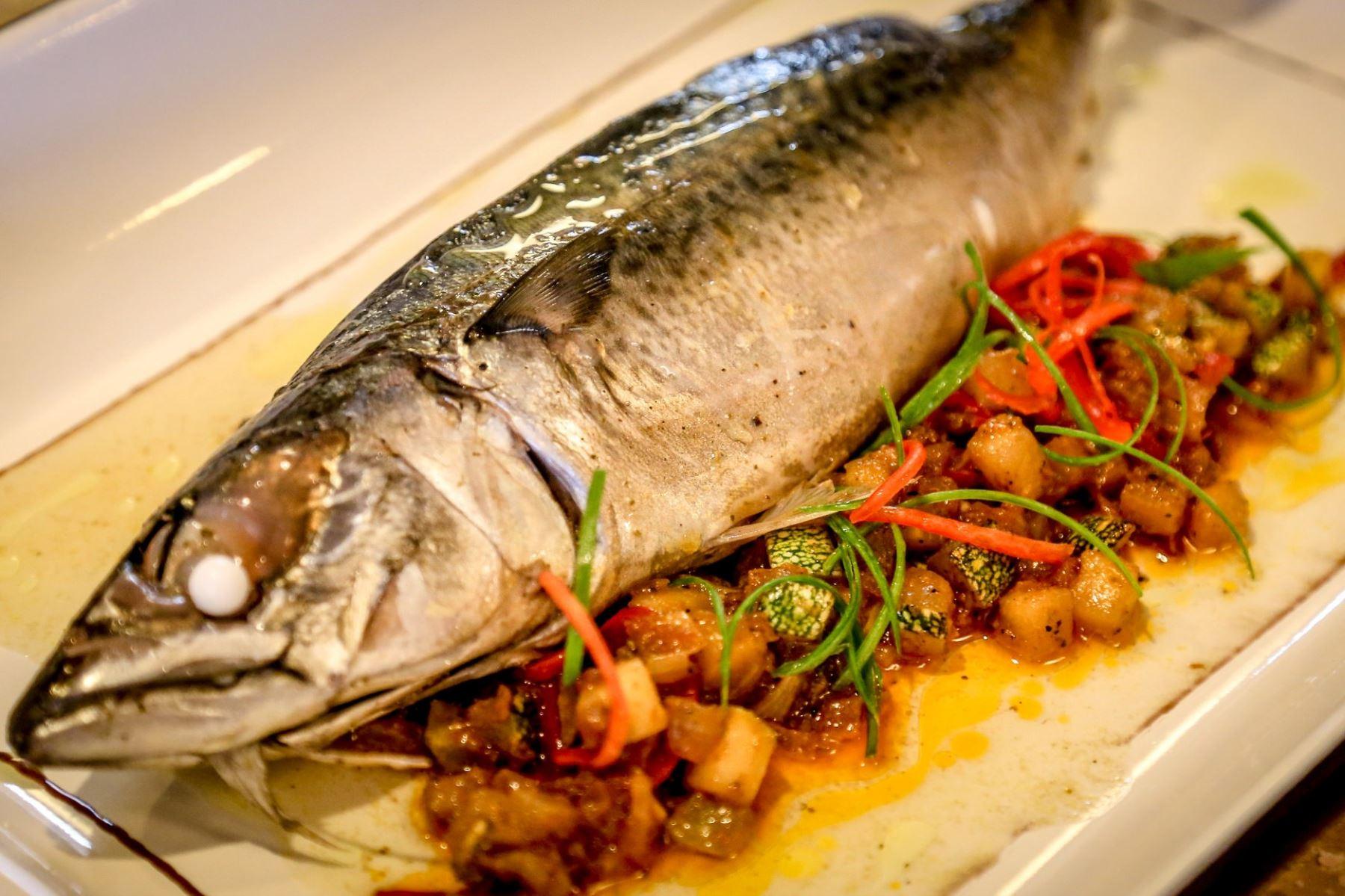 Comer pescado ANDINA/Difusión