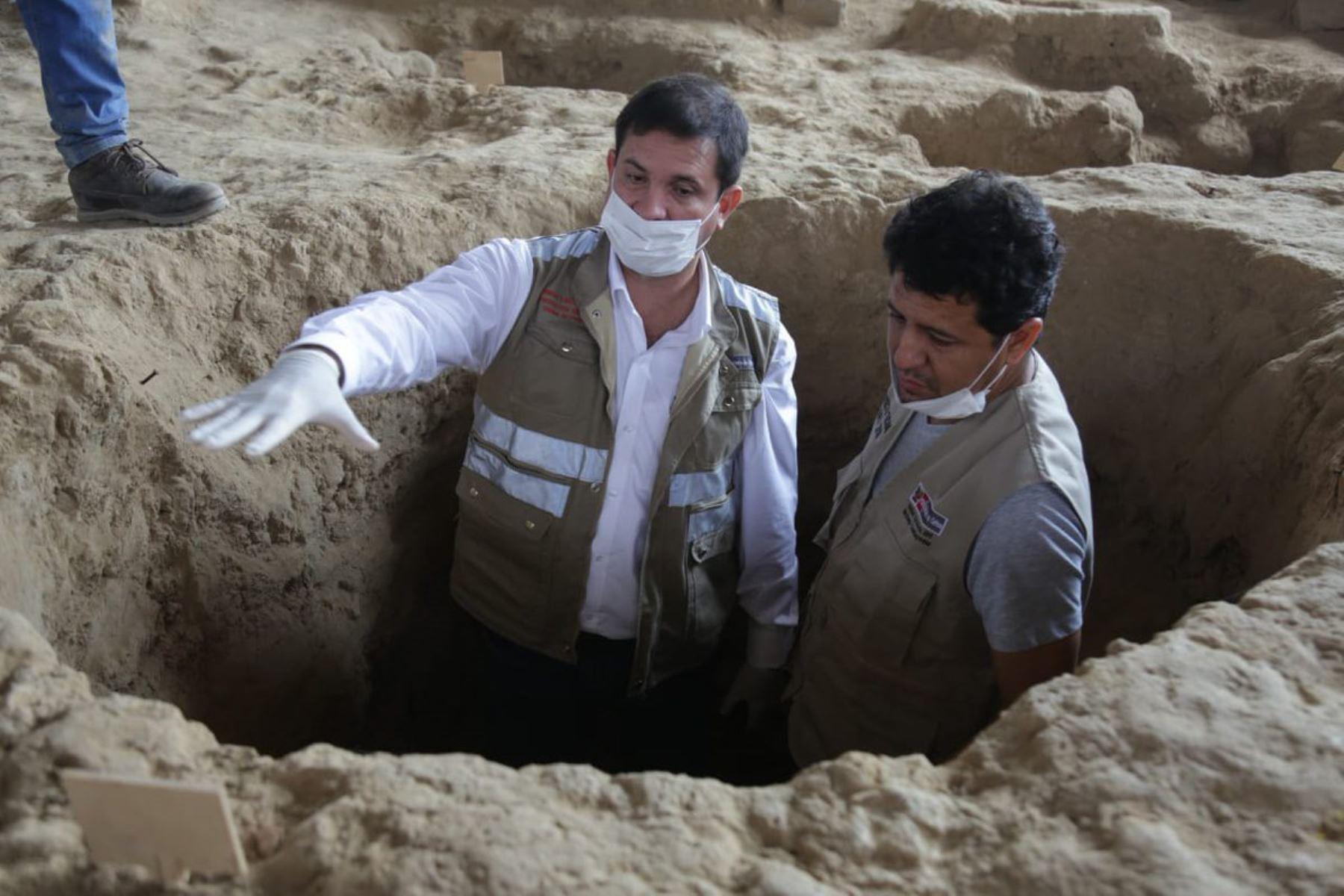 El viceministro de Patrimonio Cultural e Industrias Culturales, Luis Felipe Villacorta, se encuentra en Lambayeque para supervisar los hallazgos arqueológicos en la huaca Las Abejas, del complejo arqueológico de Túcume.