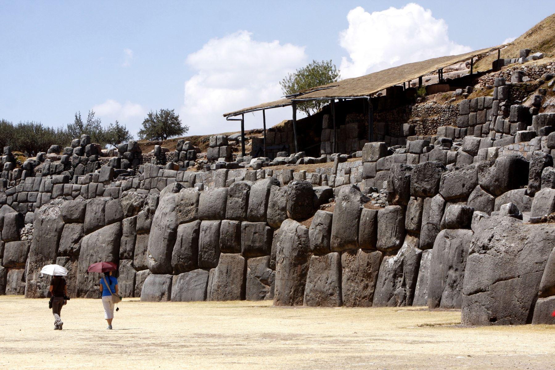 """Según las fuentes etnohistóricas de la colonia, Sacsayhuamán fue consagrada como """"Casa del Sol"""" por el inca Pachacútec, quien inició su construcción. Foto: ANDINA/Percy Hurtado"""
