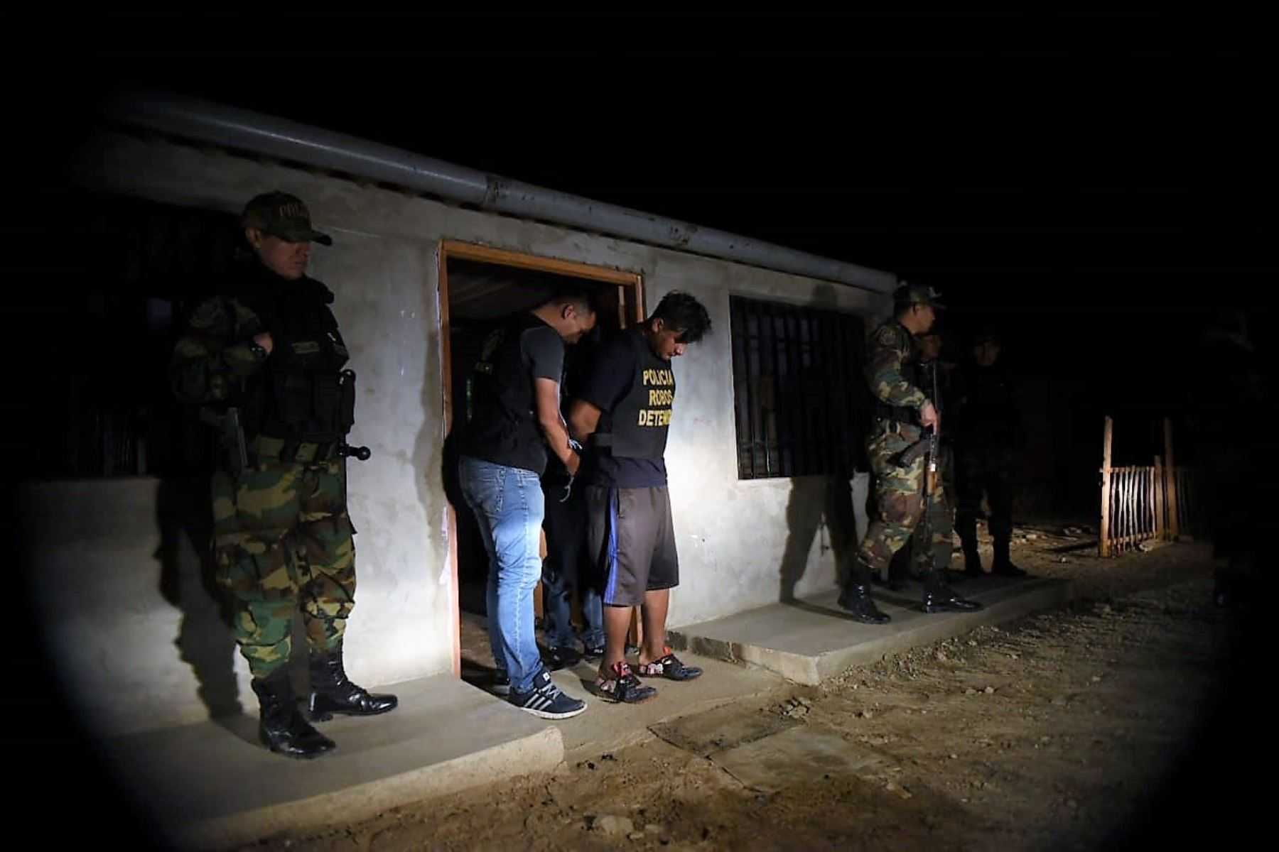 """Policía desarticula organización criminal """"Los paisas de Talara"""" dedicada al robo de petróleo en Piura."""