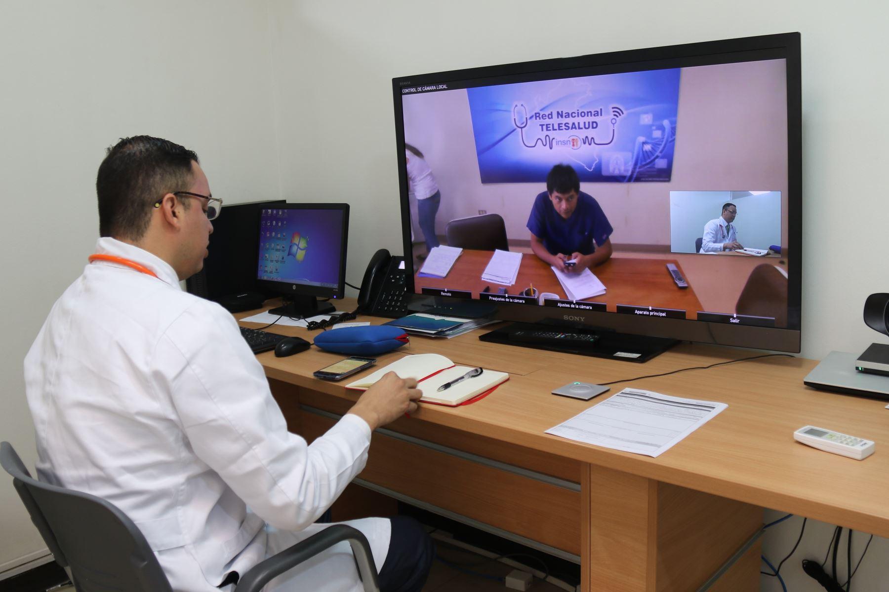 Con programa de Teleeducación capacitarán en manejo de diversos tipos de cáncer a profesionales de la salud de diversas provincias.