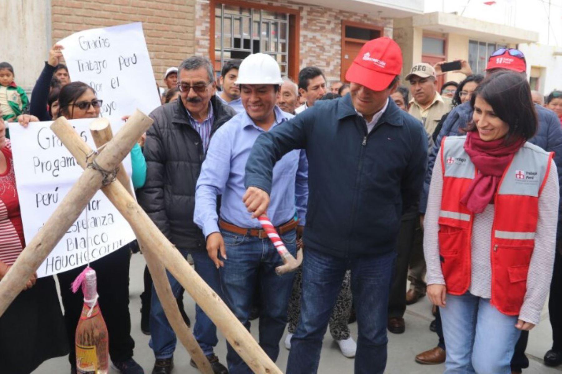 La región Lambayeque recibirá próximamente una transferencia de cerca de 350 millones de soles para la ejecución de obras de rehabilitación y reconstrucción en las zonas afectadas por El Niño Costero, anunció hoy el director de la Autoridad para la Reconstrucción con Cambios (ARCC), Edgar Quispe.