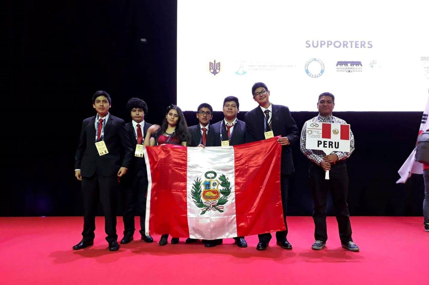 Perú logra cinco medallas en mundial de matemática en Rumania. Foto: ANDINA/Difusión.