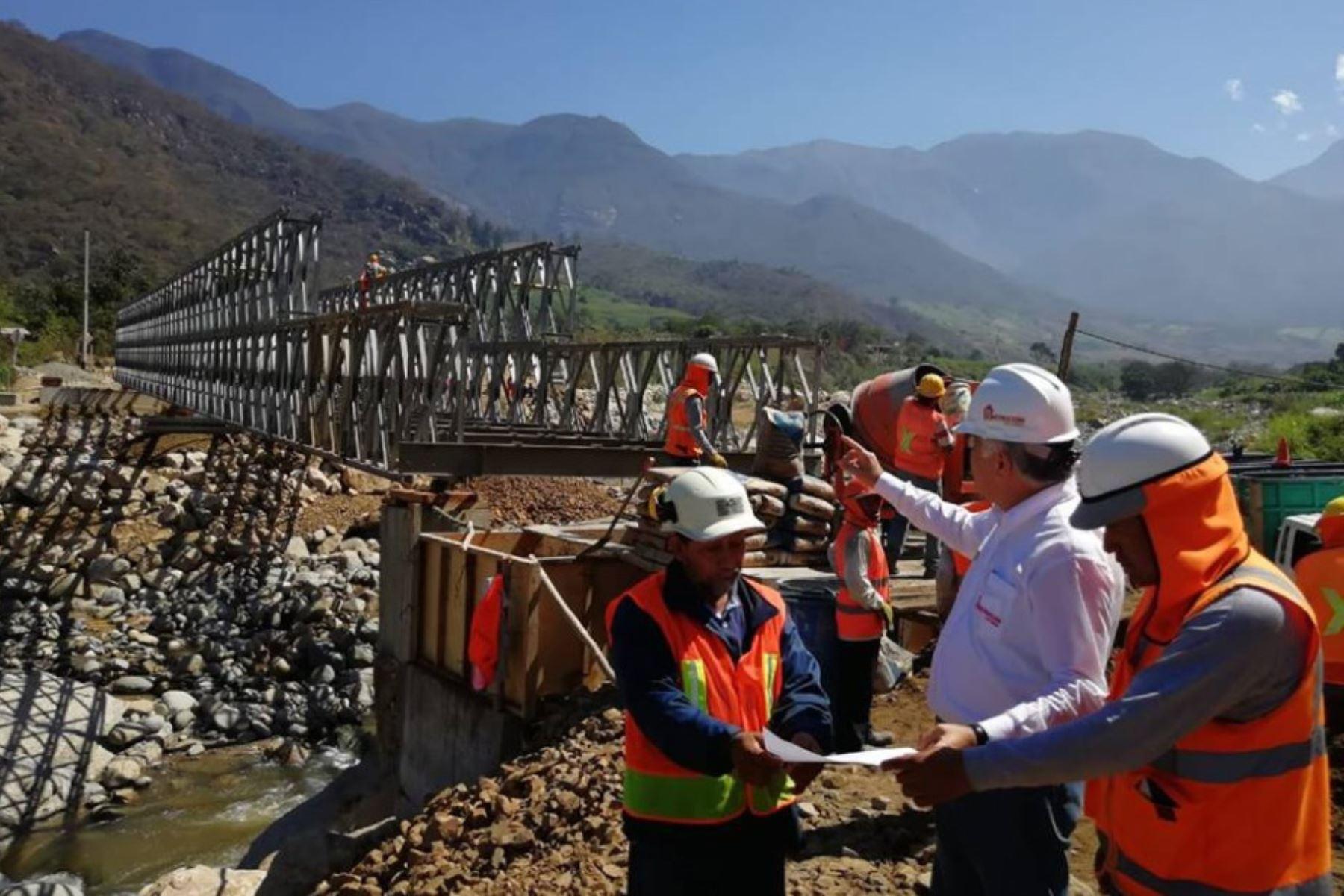 En nueve regiones del país afectadas por El Niño Costero se instalarán 86 puentes modulares con el objetivo de restablecer la conectividad entre sus poblaciones, anunció la Autoridad para la Reconstrucción con Cambios. A continuación, conozca en qué lugares se colocarán estas plataformas viales.