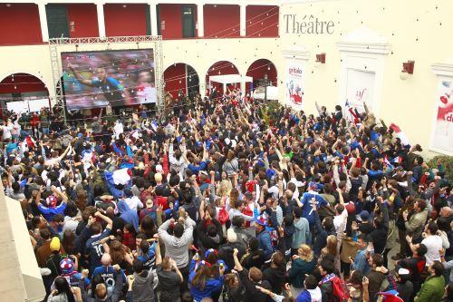 Franceses que residen en Perú celebran el triunfo de Francia por la Copa Mundial