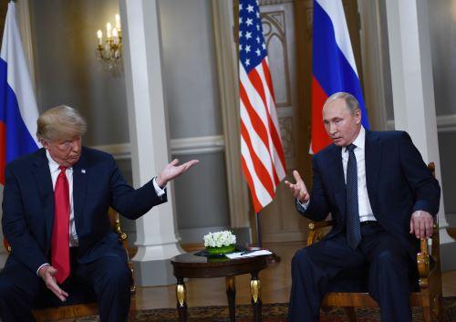 Presidentes Putin y Trump en reunión histórica en Finlandia