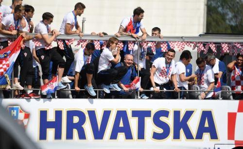 La selección de Croacia fue recibida con todos los honores a su llegada a Zagreb