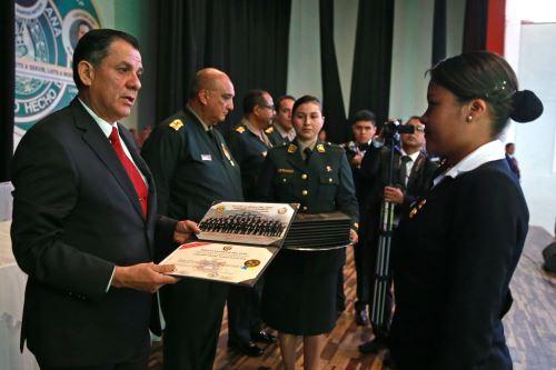 Clausura del II Curso de Especialización de Inteligencia y Contrainteligencia de la Policía Nacional del Perú