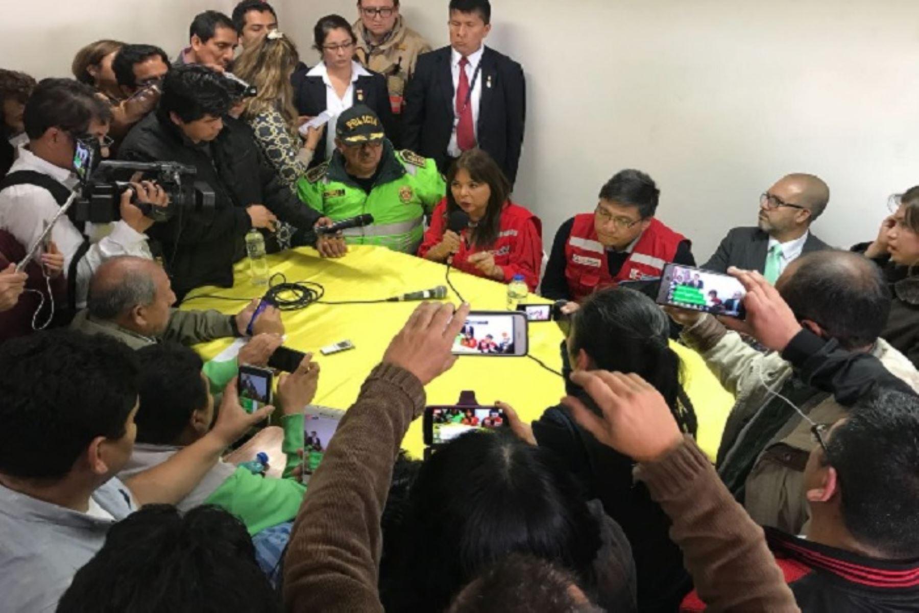 Ministra La Rosa: es estable salud de los escolares intoxicados en Cañete