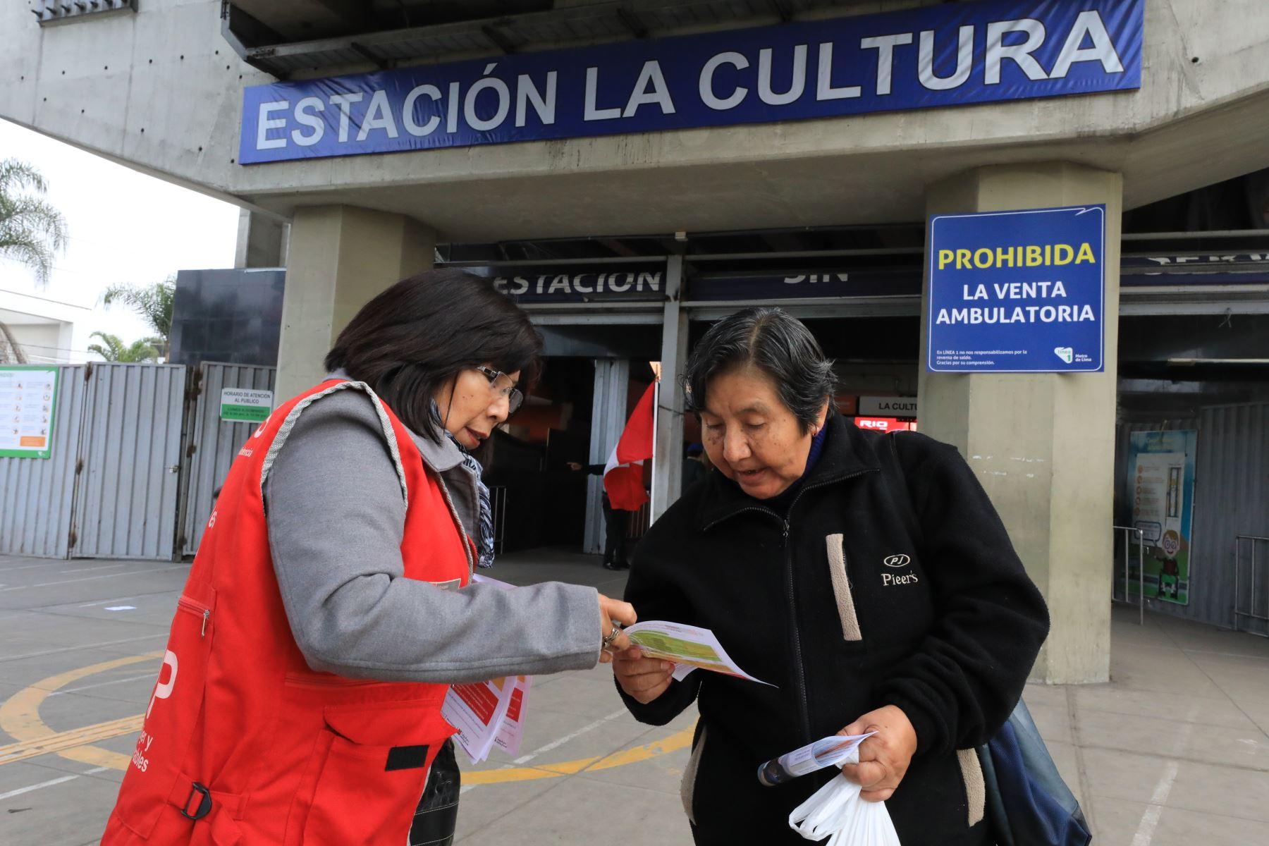 El ministerio de la Mujer y Poblaciones Vulnerables (MIMP) y la Línea 1 del Metro de Lima, aunaron esfuerzos para prevenir las situaciones de acoso sexual en este medio de transporte público que diariamente es empleado por millones de pasajeros y pasajeras, para trasladarse en la capital.Foto: ANDINA/MIMP