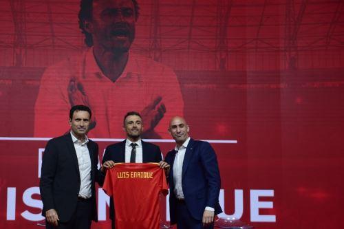 Luis Enrique promete evolucionar el juego de la selección de España