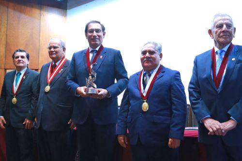 Jefe de Estado Martín Vizcarra participa en la ceremonia por el 142° aniversario de la Universidad Nacional de Ingeniería