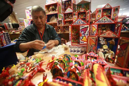 Ruraq maki, hecho a mano, feria que reúne a más de 140 colectivos de artesanos de todo el país
