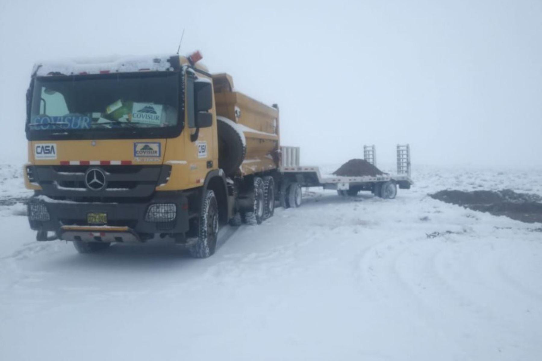 El tránsito es restringido en tres tramos ubicados en tres provincias de la región Arequipa, debido a la presencia de nevadas que cayeron durante la madrugada, informó el MTC. ANDINA/Difusión