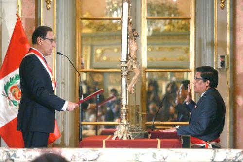 Vicente Zeballos juró como ministro de Justicia y Derechos Humanos