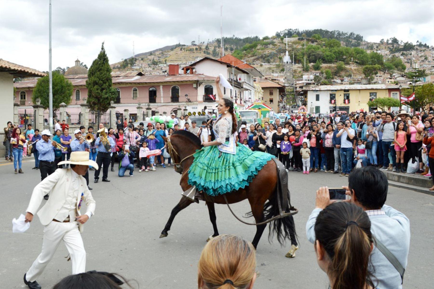Con colorido pregón se inicia tradicional feria Fongal de Cajamarca