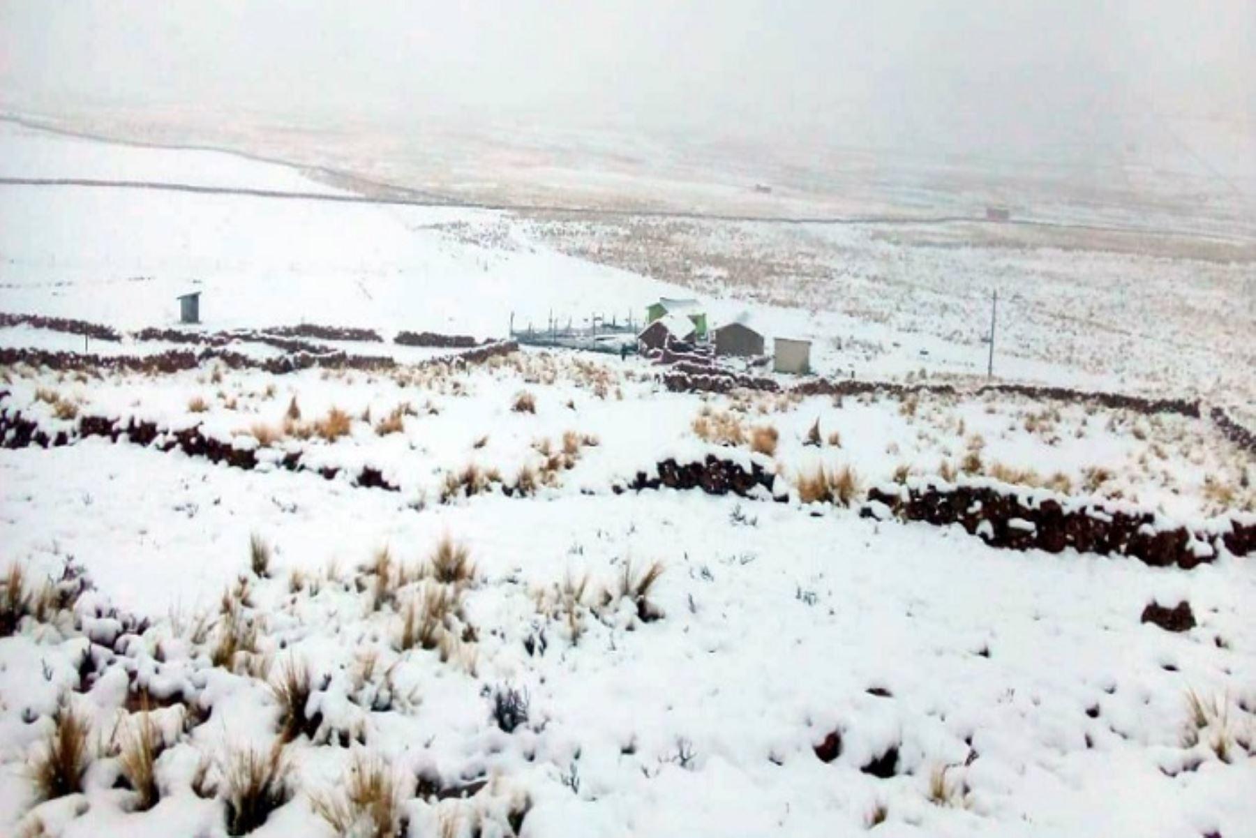 La solidificación de nieve se mantendrá debido a que se espera que se presenten condiciones de cielo nublado parcial con un importante descenso de las temperaturas del aire durante la noche.