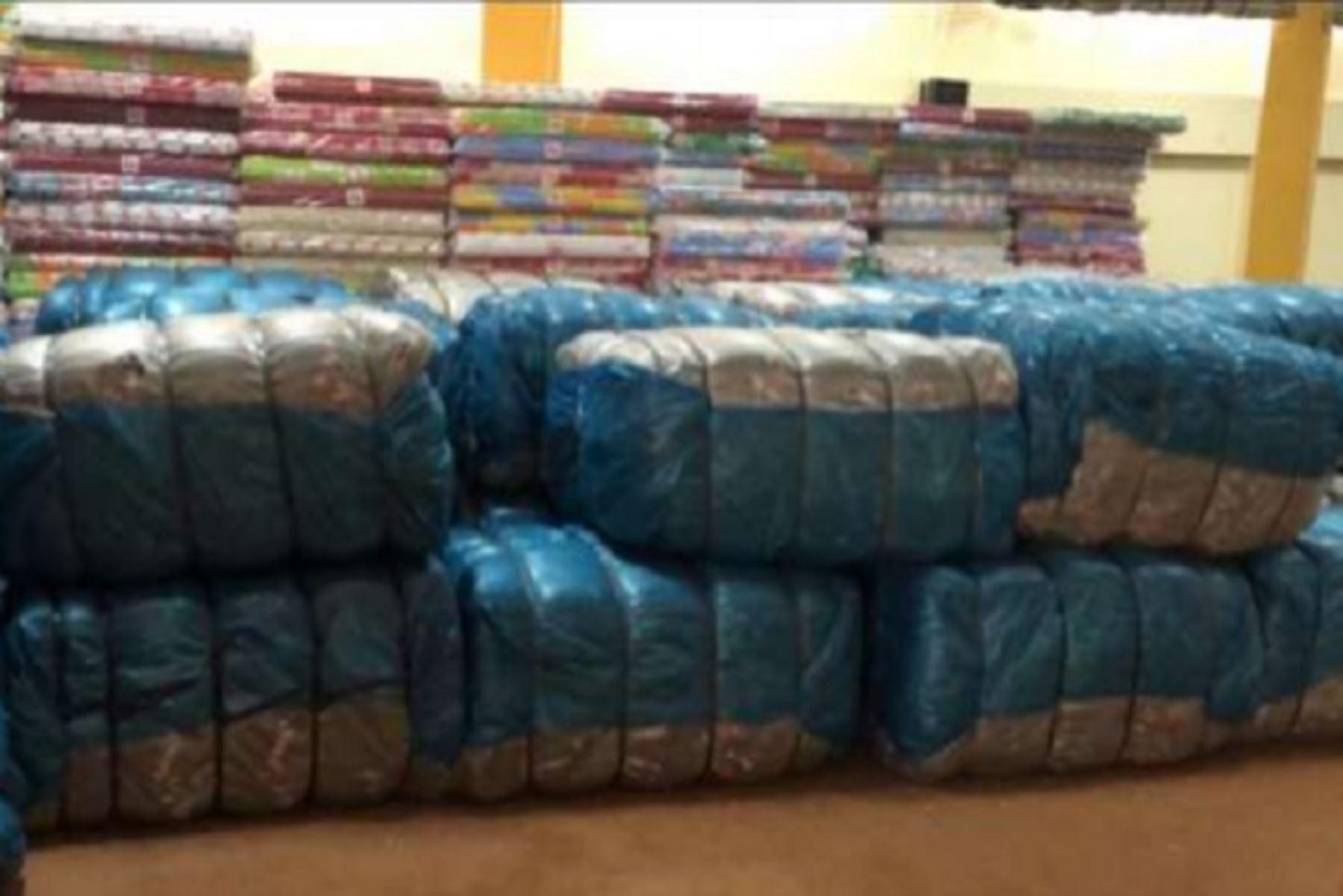 Región Apurímac entrega más de 3 toneladas de ayuda a afectados por heladas
