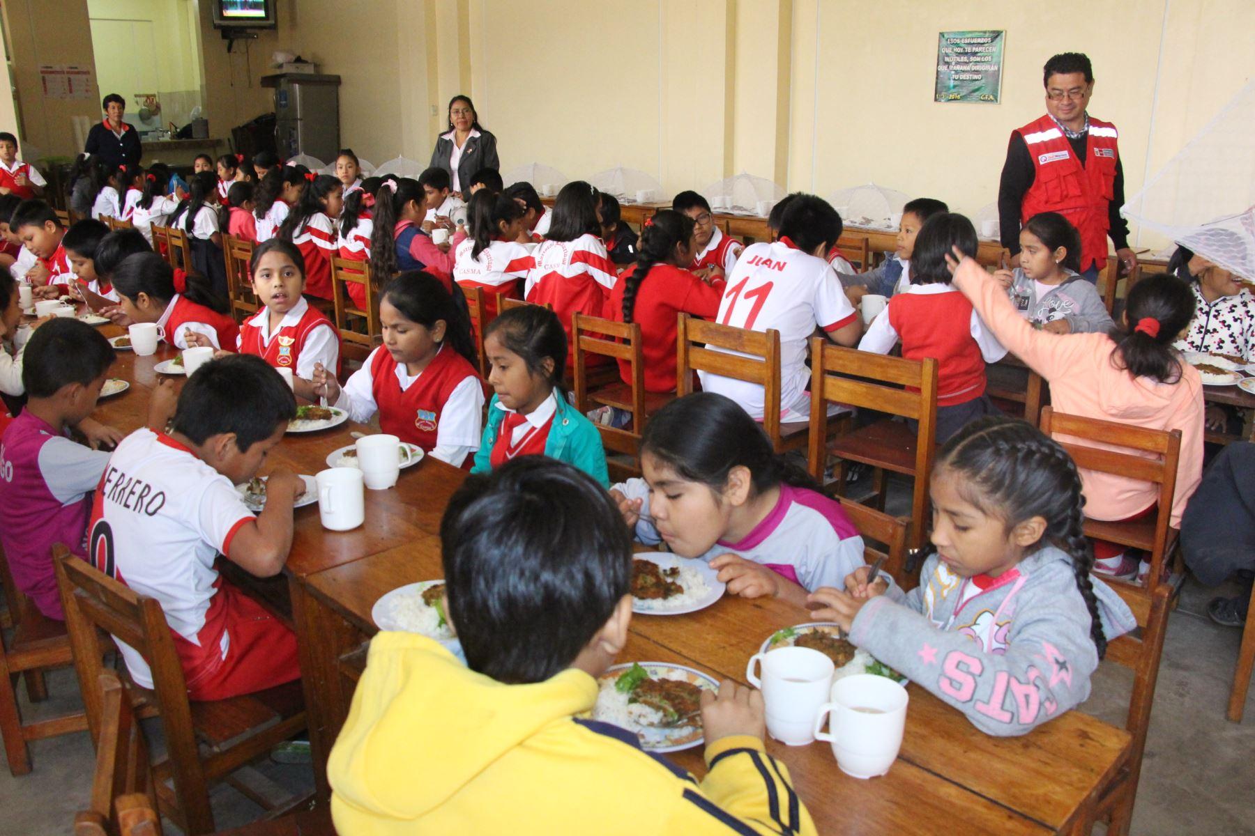Incorporan verduras y frutas en desayunos escolares de la provincia de Casma, enÁncash. ANDINA