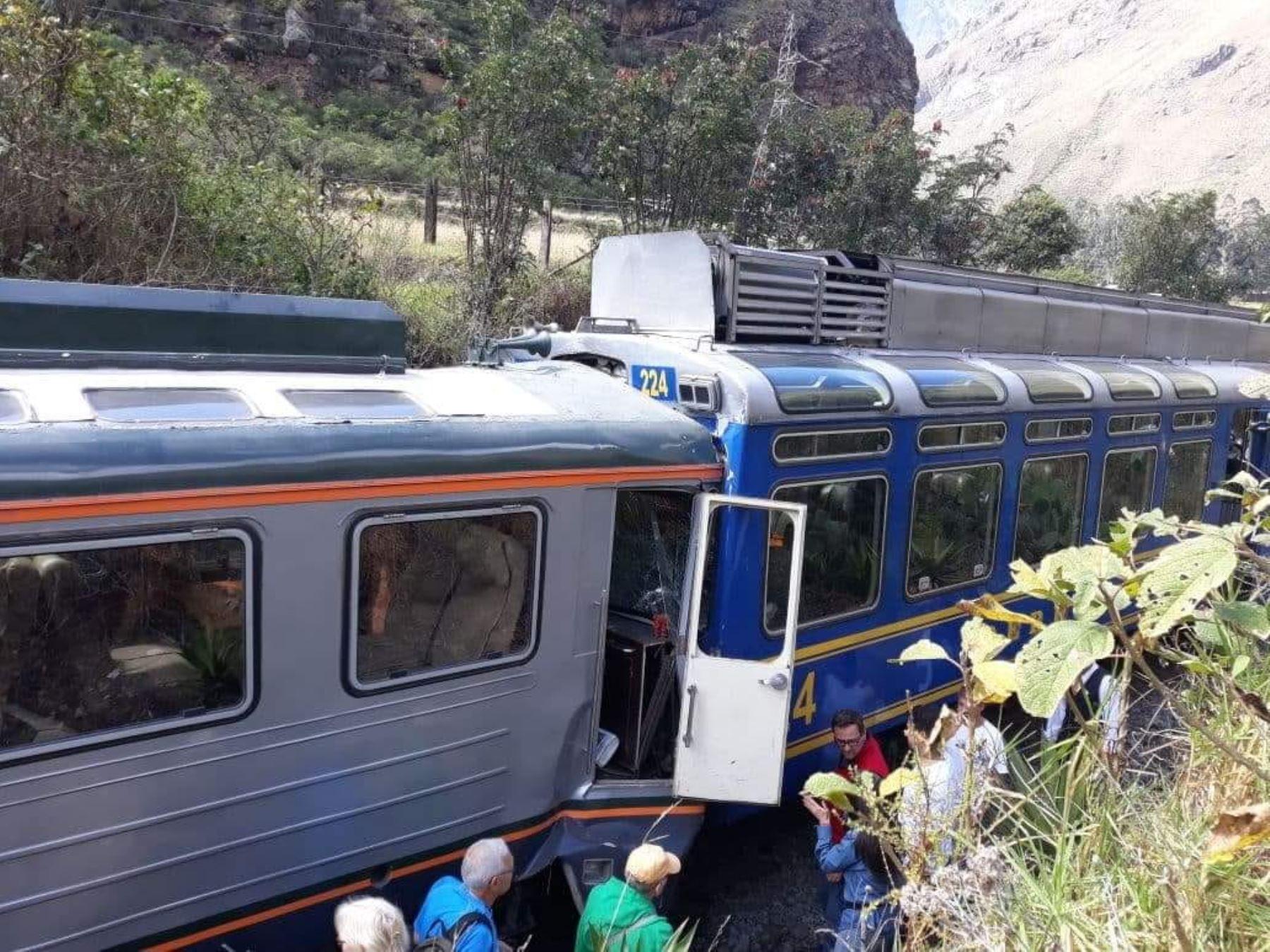 Dos trenes chocan en vía a Machu Picchu y dejan varios heridos