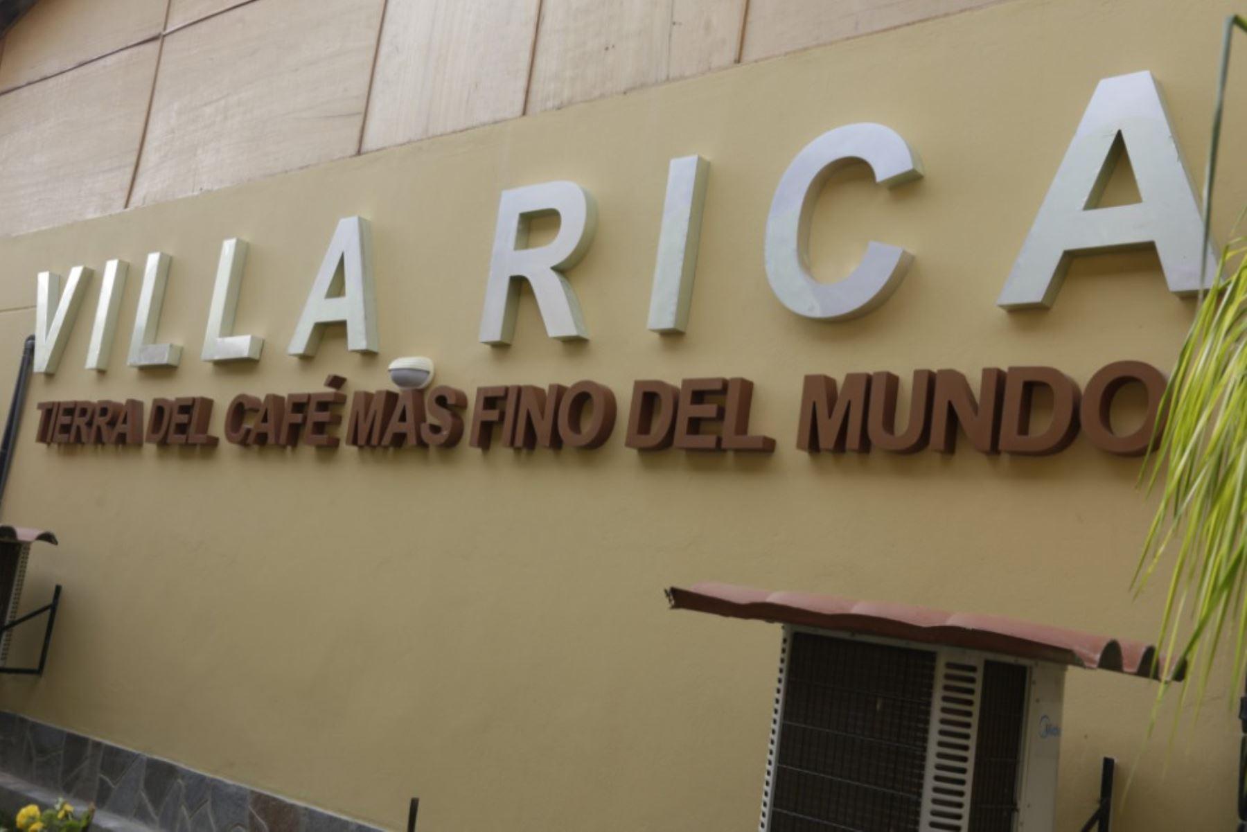 La Ruta del Café Villa Rica constituye uno de los atractivos turísticos más importantes no solo de la región Pasco sino de la selva central del Perú, dado que no solo permite conocer una de las zonas pródigas en producción del café orgánico de reconocida calidad mundial, sino también a un entorno natural de singular belleza y comunidades con una rica herencia cultural. ANDINA/Difusión