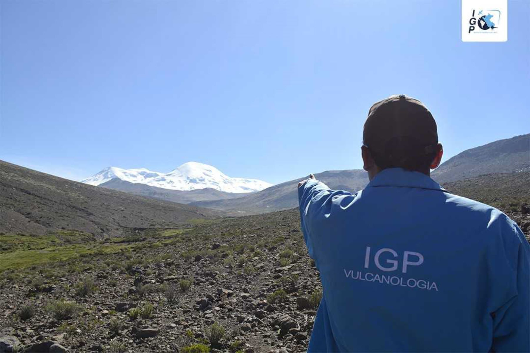 Cuatro sismos diarios entre el 16 y 31 de julio registró el volcán Coropuna, ubicado entre los distritos de Viraco, provincia de Castilla, y Salamanca, provincia de Condesuyos, en la región Arequipa, siendo el más alto a escala nacional y considerado uno de los volcanes de muy alto riesgo, informó el Instituto Geofísico del Perú (IGP).