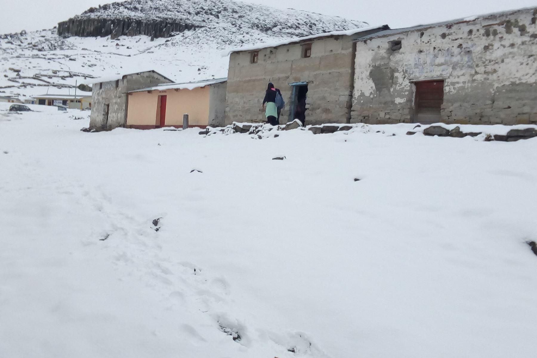 Senamhi prevé la caída de granizo de forma aislada en localidades sobre los 3,000 metros de altura y la ocurrencia de nevada en las zonas altas ubicadas por encima de los 4,000 metros.ANDINA