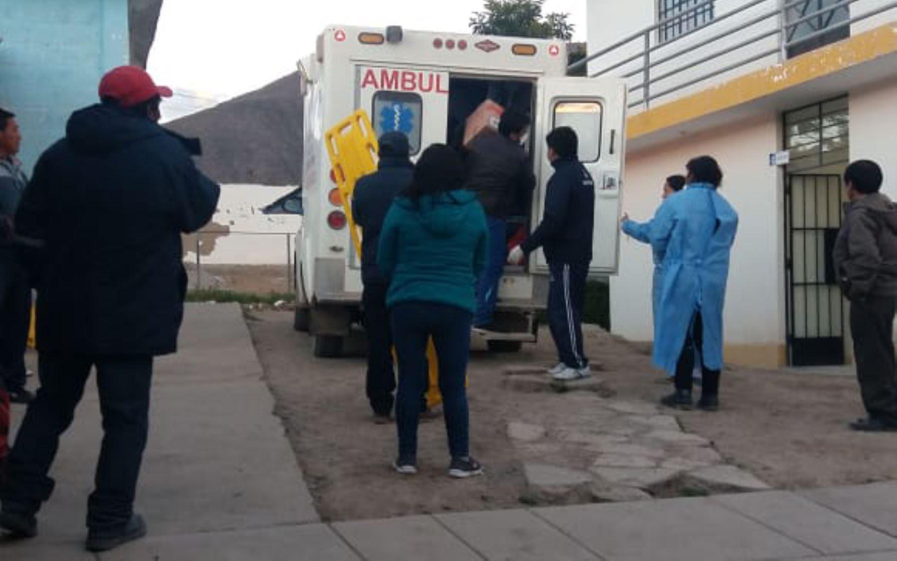 Traslado de ayuda y atención a los pobladores intoxicados del distrito de San José Ushua, en la provincia ayacuchana de Páucar del Sara Sara. Foto: ANDINA/Diresa Ayacucho.