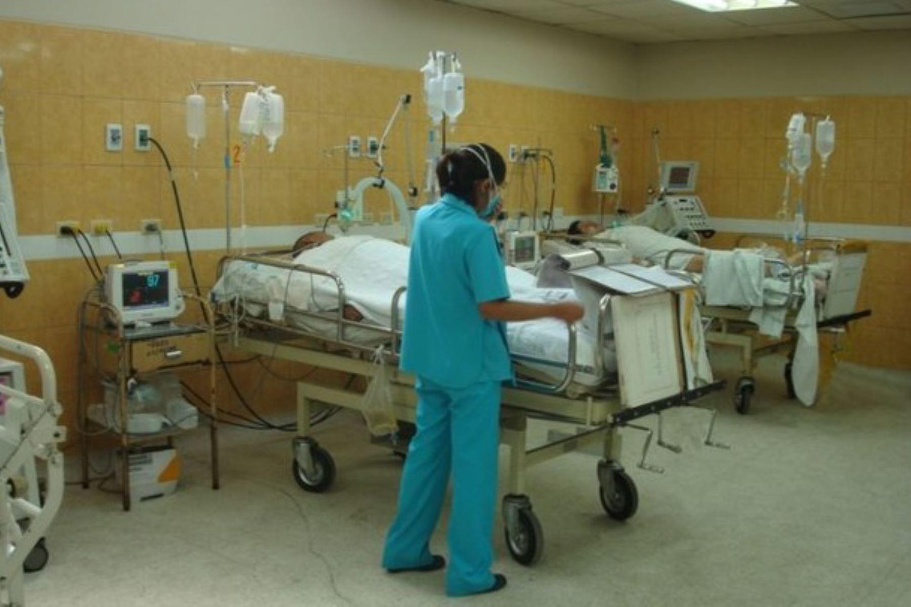 La Dirección Regional de Salud (Diresa) de Ayacucho dio a conocer la identidad de ocho de las diez víctimas fallecidas por intoxicación tras consumir, presuntamente, alimentos en mal estado. De estas personas, siete son adultos y un menor de edad.