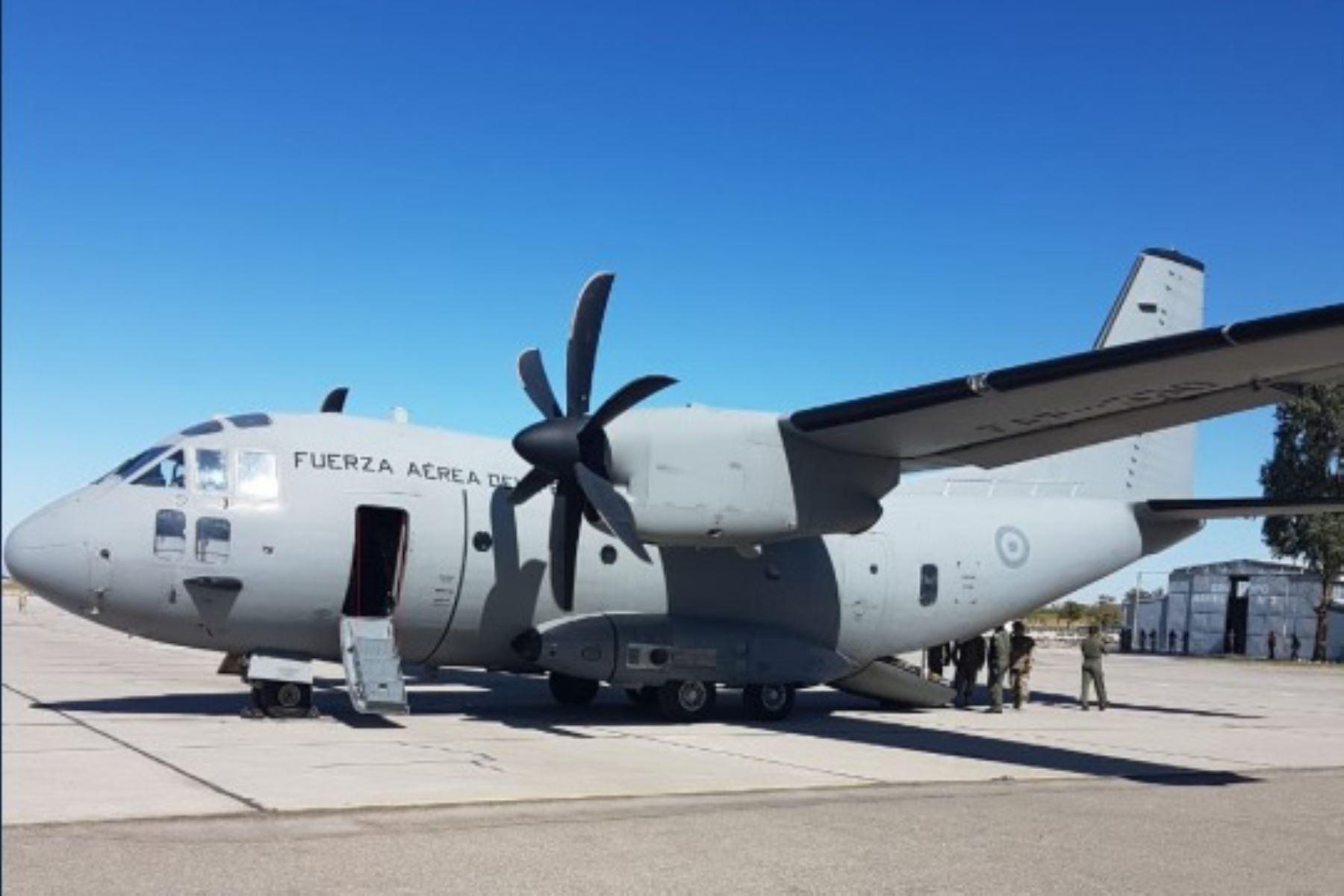 En la base aérea de Vítor en Arequipa, perteneciente al Ala Aérea N°3 de la Fuerza Aérea del Perú (FAP) se encuentra el avión de transporte militar C 27 J-Spartan, listo para trasladar hacia Lima a los pacientes intoxicados procedentes de Ayacucho que requieran una atención de mayor complejidad.
