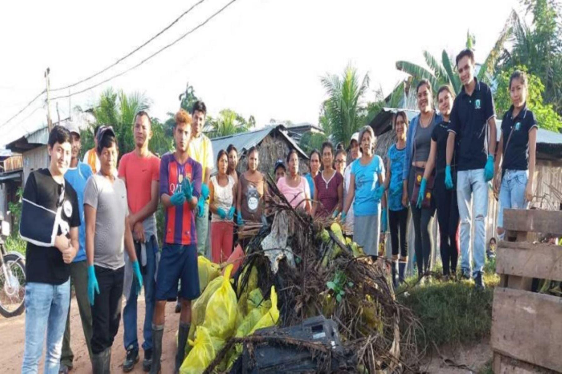 El Gobierno, a través del Ministerio de Agricultura y Riego, recolectó una tonelada de basura en la 'Hatun Quebrada' que cruza el distrito de Yurimaguas, provincia de Alto Amazonas, región Loreto; con la finalidad de sensibilizar a los pobladores de la zona a cuidar nuestras fuentes naturales de agua.