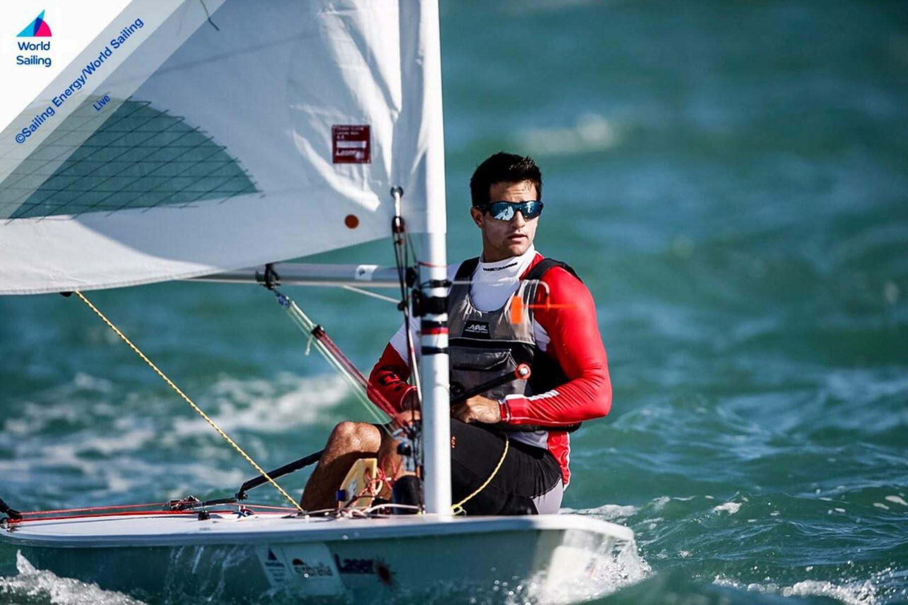 El velerista nacional Stefano Peschiera consigue la primera plaza para Perú en los Juegos Olímpicos. Foto: Facebook Stefano Peschiera
