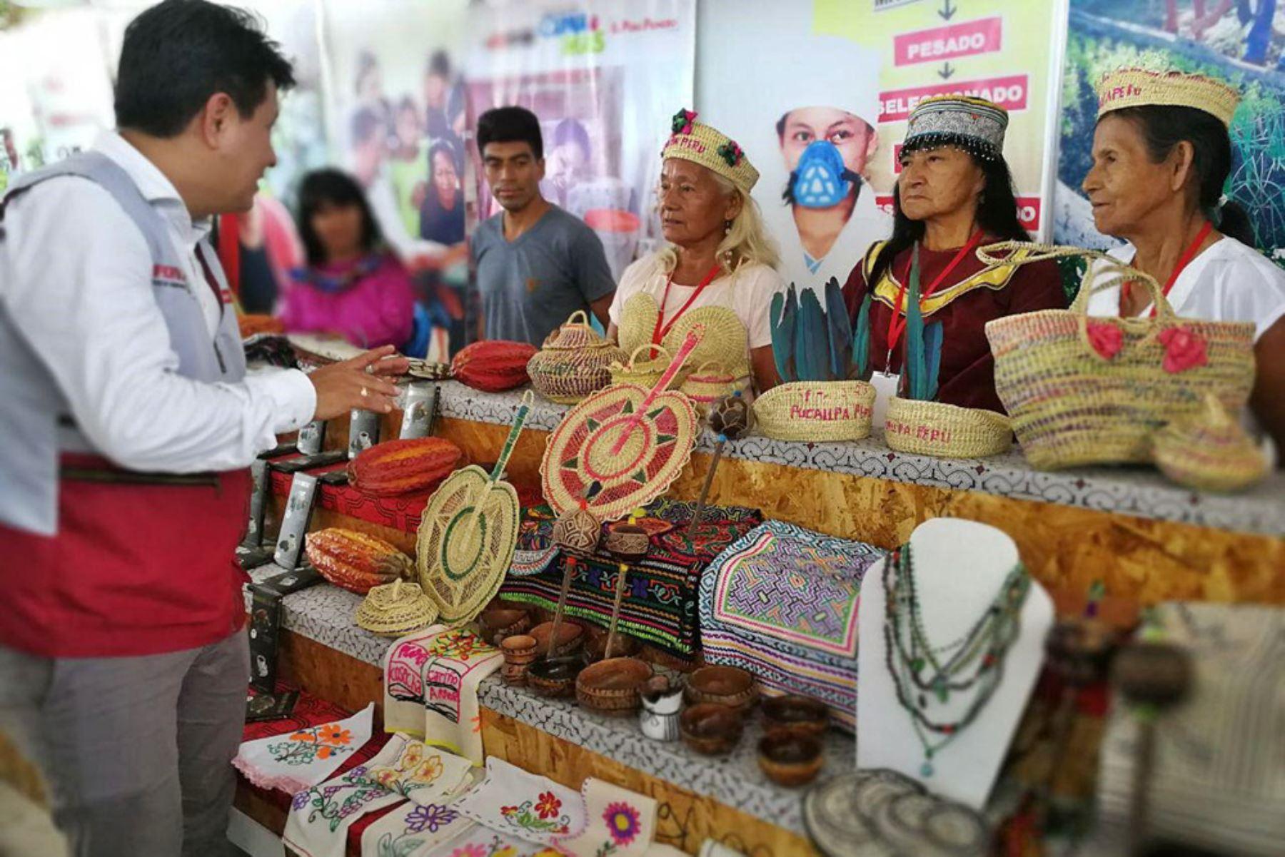 Emprendimientos rurales que impulsa Foncodes en Ucayali presentan sus mejores productos en la feria ExpoAmazónica. ANDINA/Difusión
