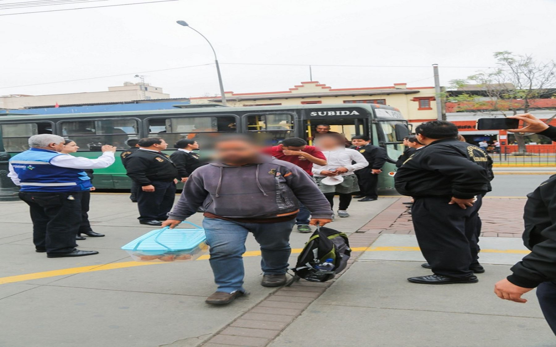 Migraciones y Policía efectúan operativo de fiscalización migratoria en Santa Anita Foto: Migraciones
