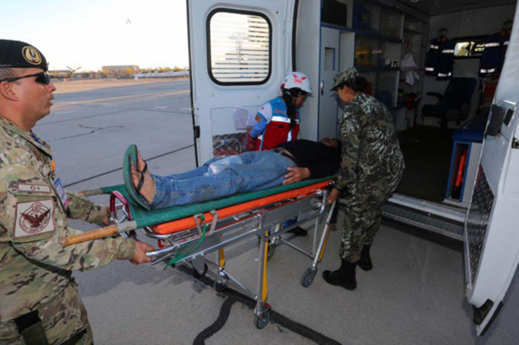 Trasladan a Lima a pacientes intoxicado en Ayacucho. Foto: Andina/Difusión