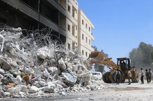 Explosión en almacén de armas en Siria deja 69 muertos
