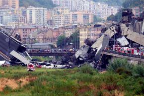 Génova: muertos por derrumbe de puente ya suman una treintena. Foto: AFP.