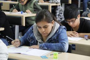 Hasta el lunes 20 de agosto universitarios pueden postular a 2 mil becas. Foto: ANDINA/Difusión.