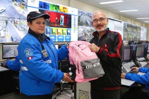 Serena de Miraflores encuentra mochila con más de S/ 25,000 y lo devuelve a su dueño. Foto: ANDINA/Difusión.