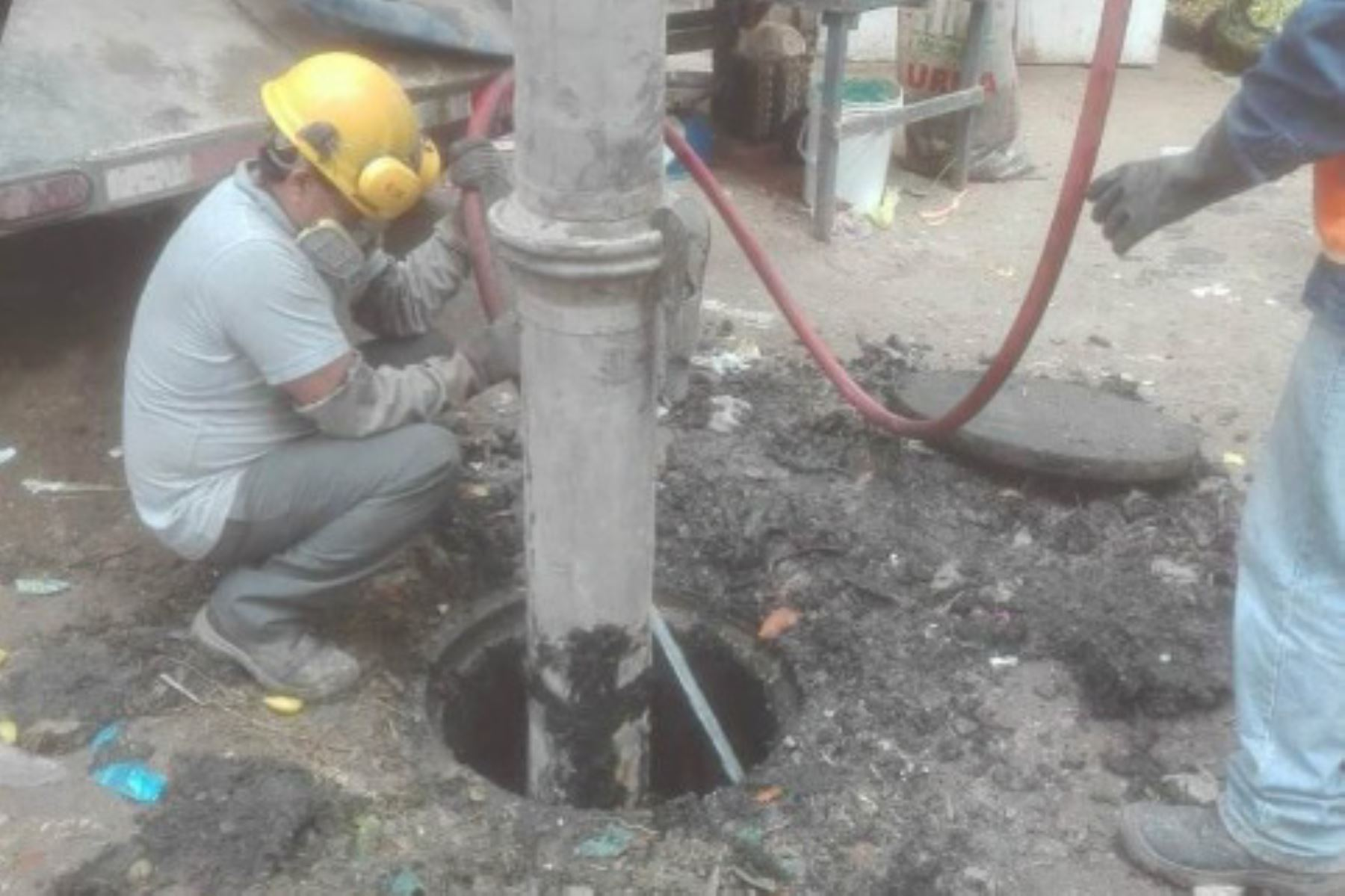 La Operación Alcantarillado es un programa que, con 25 hidrojets y 10 camiones cisterna en total, realizará el mantenimiento preventivo de más del 10% de las redes de alcantarillado del país.