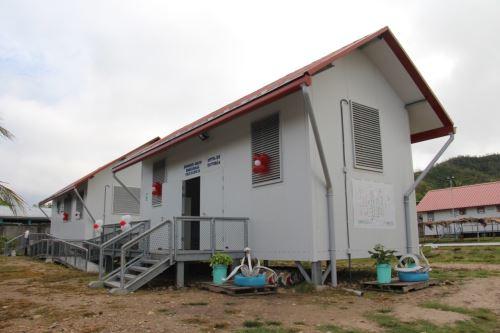 San Martín entrega aulas prefabricadas en Saposoa. ANDINA