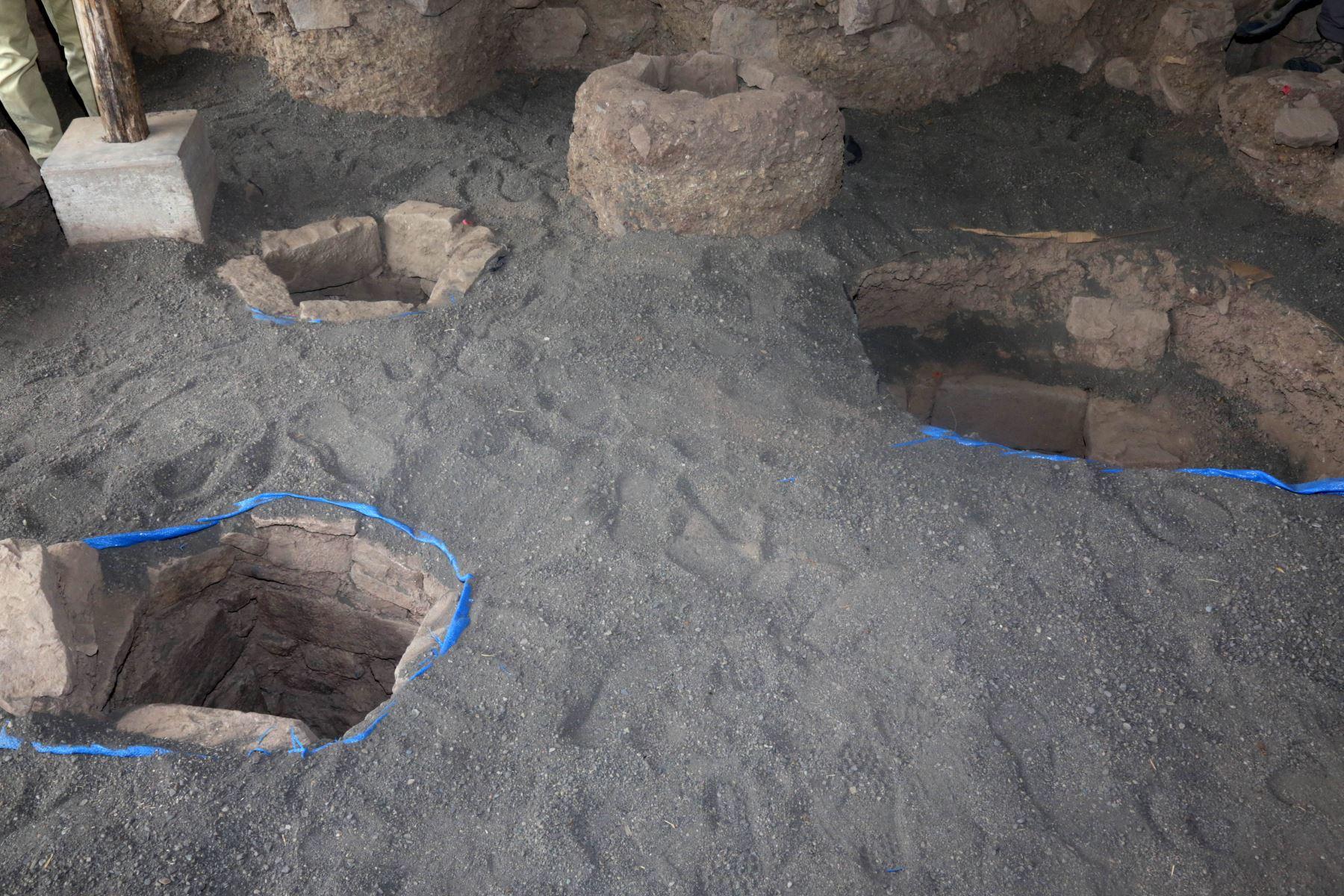 El hallazgo más importantes de los últimos 50 años en el Monumento Arqueológico Chavín de Huántar. Se trata de tres nuevas galerías subterráneas que presentan los primeros entierros humanos encontrados de la época Chavín. Foto: ANDINA/Ministerio de Cultura